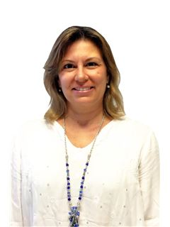 Hilda Selasco - RE/MAX Norte
