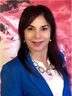 Lorena Lupu - RE/MAX Central