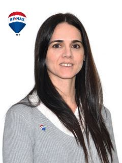 Juliana Mutto - RE/MAX Buró II