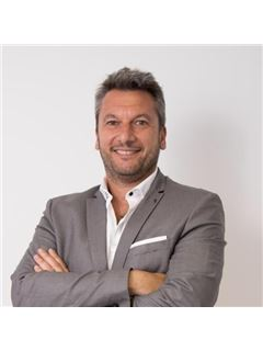 Fernando Alvarez - RE/MAX Norte