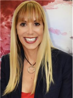 Carolina Grossi - RE/MAX Central