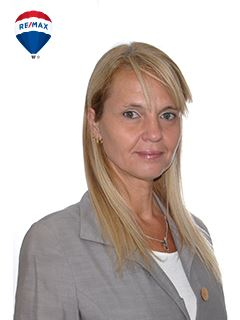 Associate in Training - Silvia Verónica Fernández - RE/MAX Buró II