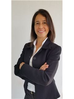 Diana Reyes - RE/MAX Total (IV)