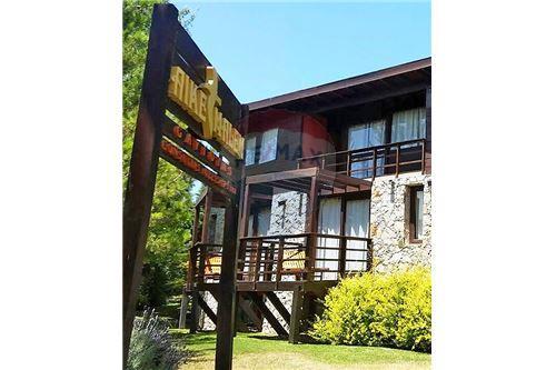 300 M Apartamento Con Terraza Venta 8 Habitaciones Located At Copacabana E 32 Y 33 Las Gaviotas Villa Gesell Costa Atlantica Argentina