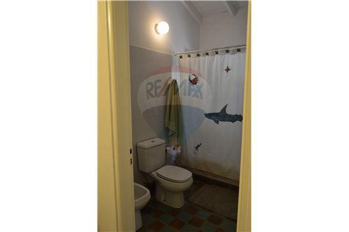 baño de los 3 dormitorios compartimentado
