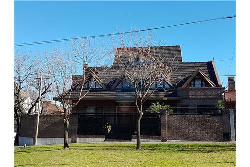 Villa Martelli, Vicente Lopez - Venta - 649,000 USD