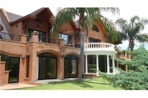 Berazategui Country/B. Cerrado, Berazategui - For Sale - 2,050,000 USD