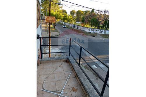 vista desde el balcón hacia calle Buenos iAires