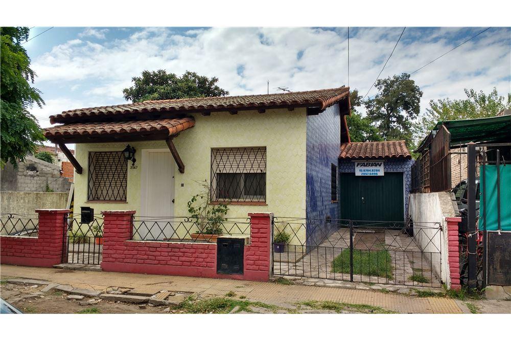 Casa venta ituzaingo gran buenos aires zona oeste for Casa minimalista zona oeste