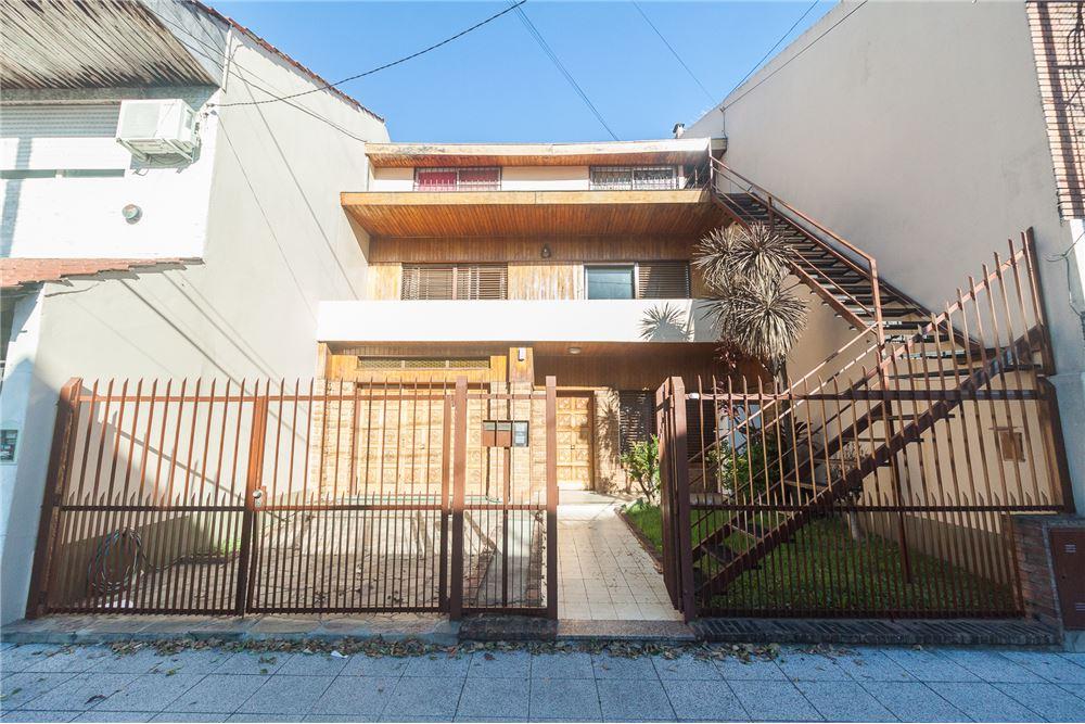 Casa venta florida oeste gran buenos aires zona for Casa minimalista zona oeste