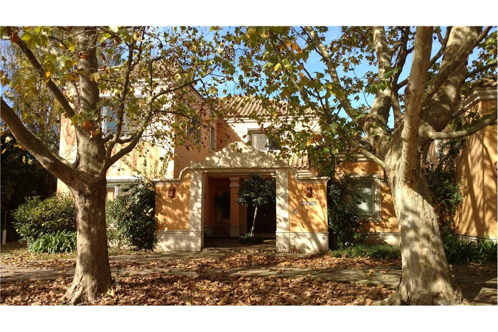 Casa venta gral rodriguez country b cerrado gran for Casa decoracion zona oeste