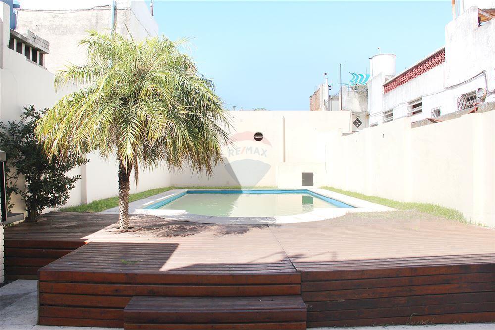 234 M²: Casa Venta, 3 Dormitorios located at Holmberg 1600 - Belgrano R,  Capital Federal   Argentina