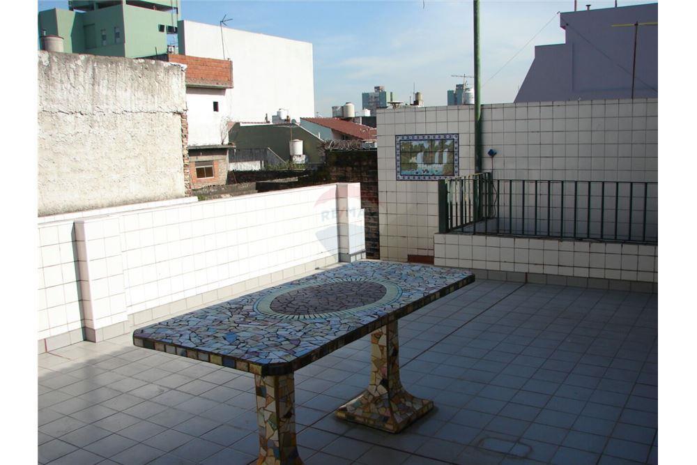 Casa venta lomas del mirador gran buenos aires zona for Casa minimalista zona oeste