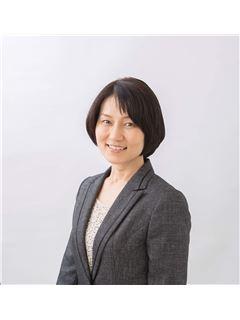 宅建免許保有者 - Mayumi Takeda - RE/MAX YOUTOPIA