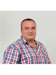 Bogdan Ionas - RE/MAX Best