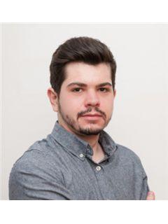 Sebastian Laur Borza - RE/MAX Concept
