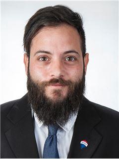 Associate in Training - Solonas Evripidou - Assistant Sales Agent - RE/MAX DEALMAKERS