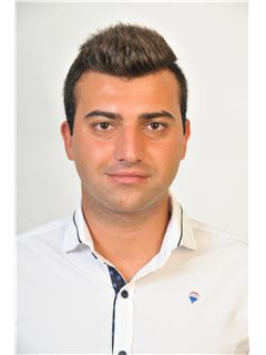 Vladimiros Oumountoumidis - Assistant Sales Associate - RE/MAX BEST