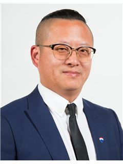 Aaron Qin - RE/MAX DEALMAKERS