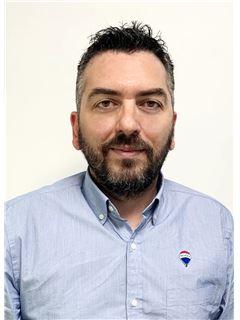 Christos Constantinides - Assistant Sales Associate - RE/MAX CAPITAL