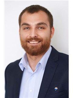 Andreas Kourtellas - Assistant Sales Agent - RE/MAX CAPITAL