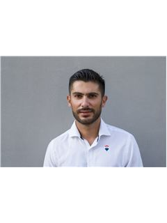 Συνεργάτης σε εκπαίδευση - Aggelos Pavlides - Assistant Sales Agent - RE/MAX CAPITAL