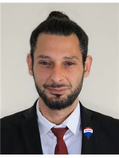 Nicos Konias - Assistant Sales Agent - RE/MAX CHOICE