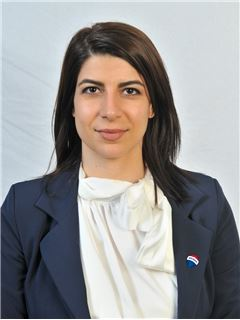 Zoe Stavrou - Assistant Sales Agent - RE/MAX BEST