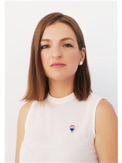 Katerina Alexopoulou - Assistant Sales Associate - RE/MAX CAPITAL