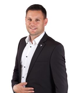 Licensed Assistant - Matej Furlan - RE/MAX Obala