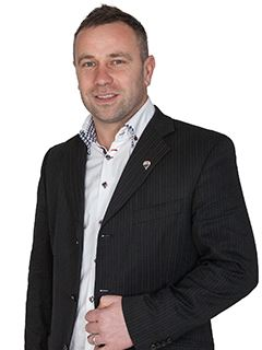 Associate - Davorin Puhar - RE/MAX Pomurje