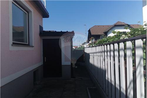 Hiša - Prodamo - Ptuj, Podravje - 26 - 490151001-975