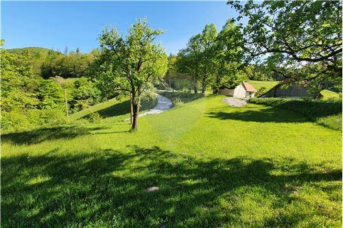 Zazidljivo zemljišče - Prodamo - Kamnik, Ljubljana (okolica) - 26 - 490281015-404