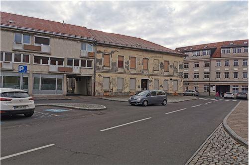 Poslovno-stanovanjski objekt  - Prodamo - Ptuj, Podravje - 7 - 490151001-964