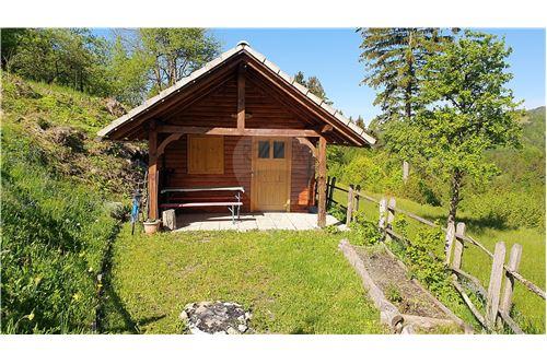 Zazidljivo zemljišče - Prodamo - Kamnik, Ljubljana (okolica) - 27 - 490281015-404