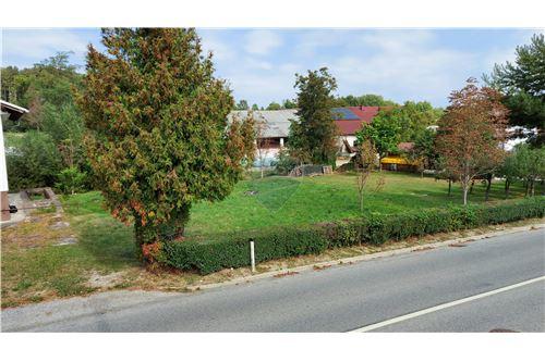 Zazidljivo zemljišče - Prodamo - Maribor, Podravje - 3 - 490321056-59