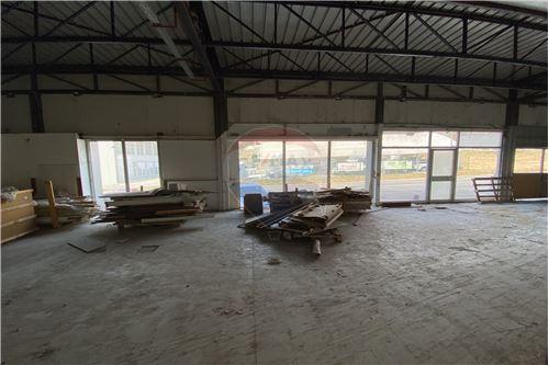 Commerciale/Negozi - In Affitto - Trbovlje, Zasavje - 78 - 490281028-41