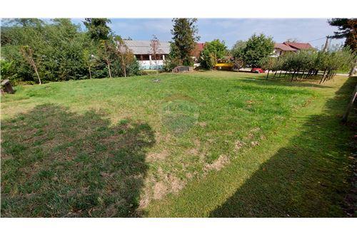 Zazidljivo zemljišče - Prodamo - Maribor, Podravje - 25 - 490321056-59