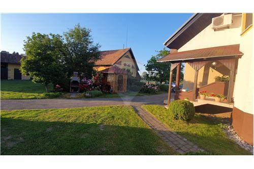 Hiša - Prodamo - Brežice, Posavje - 13 - 490281015-407