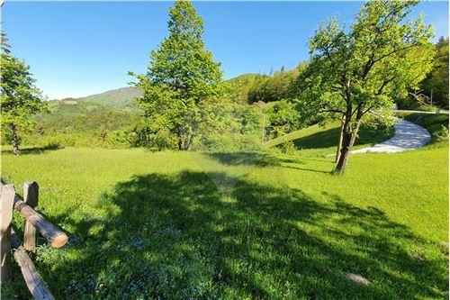 Zazidljivo zemljišče - Prodamo - Kamnik, Ljubljana (okolica) - 25 - 490281015-404