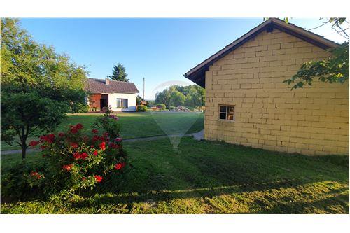 Hiša - Prodamo - Brežice, Posavje - 23 - 490281015-407