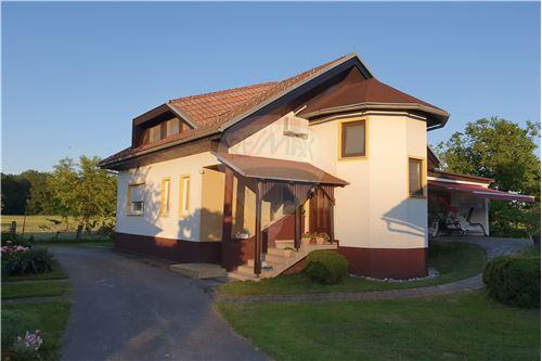 Hiša - Prodamo - Brežice, Posavje - 1 - 490281015-407