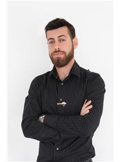 אלון ענבי Alon Anavi - רי/מקס RE/MAX VIP