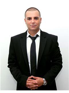 זכיין/בעלים - אוהד פלד Ohad Peled - זכיין/מנהל משרד - רי/מקס פמילי RE/MAX Family 2