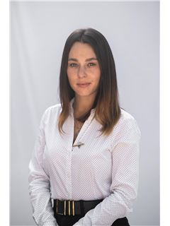 מאיה אורלוב Maya Orlov - רי/מקס הוד והדר RE/MAX Hod VeHadar