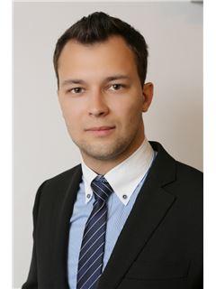 יבגני וולסוב Evgeni Vlasov - רי/מקס פמילי RE\MAX Family 3