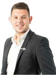 יניק גלסטיאן Yanik Galstyan - רי/מקס מקצוענים RE/MAX Professionals