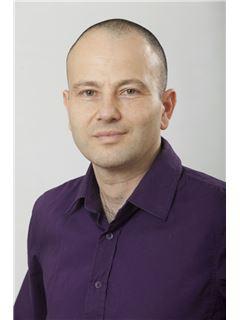 יניב כהן Yaniv Cohen - רי/מקס הוד והדר RE/MAX Hod VeHadar