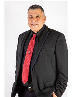 זכיין/בעלים - אבי פרץ- זכיין ומנהל הסניף  Avi Peretz - רי/מקס לב הארץ RE/MAX LEV HAARETZ