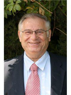 יוסף קליין Yossef Klein - רי/מקס פרופשיונל גרופ RE/MAX Professional Group